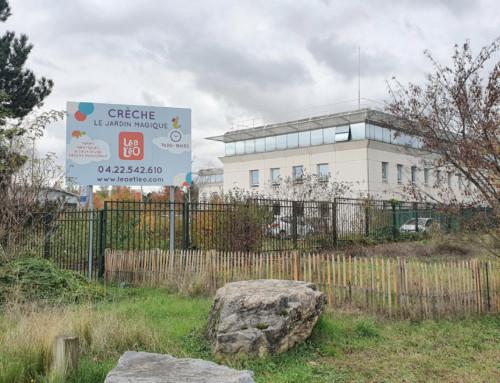 Panneau publicitaire 4×3 crèche Léo&Léa